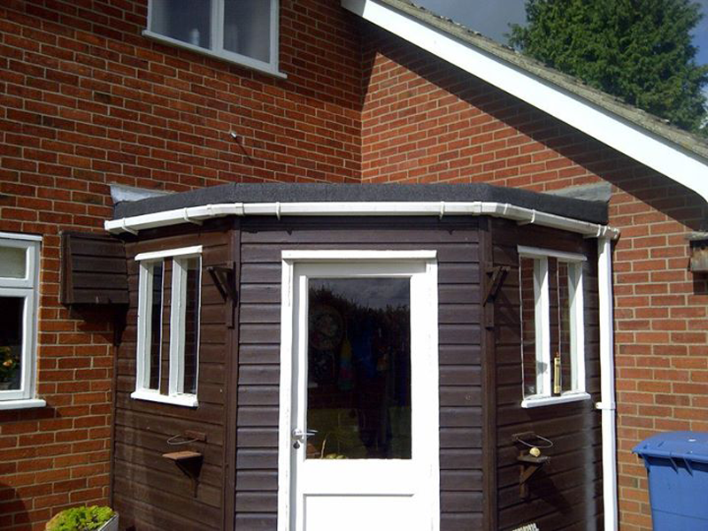 the benefits of a flat roof
